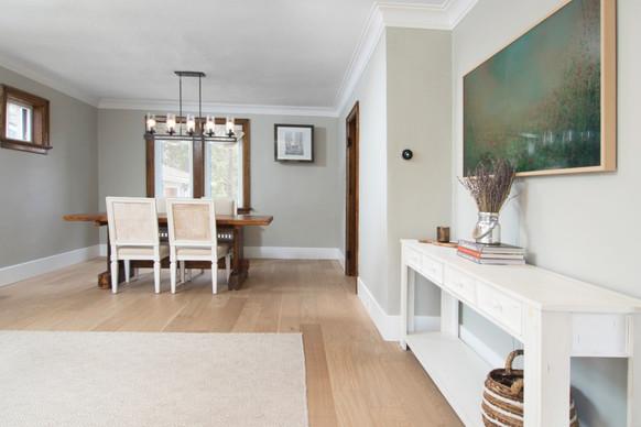 Living Room 4 - 410 Courtland Ave E