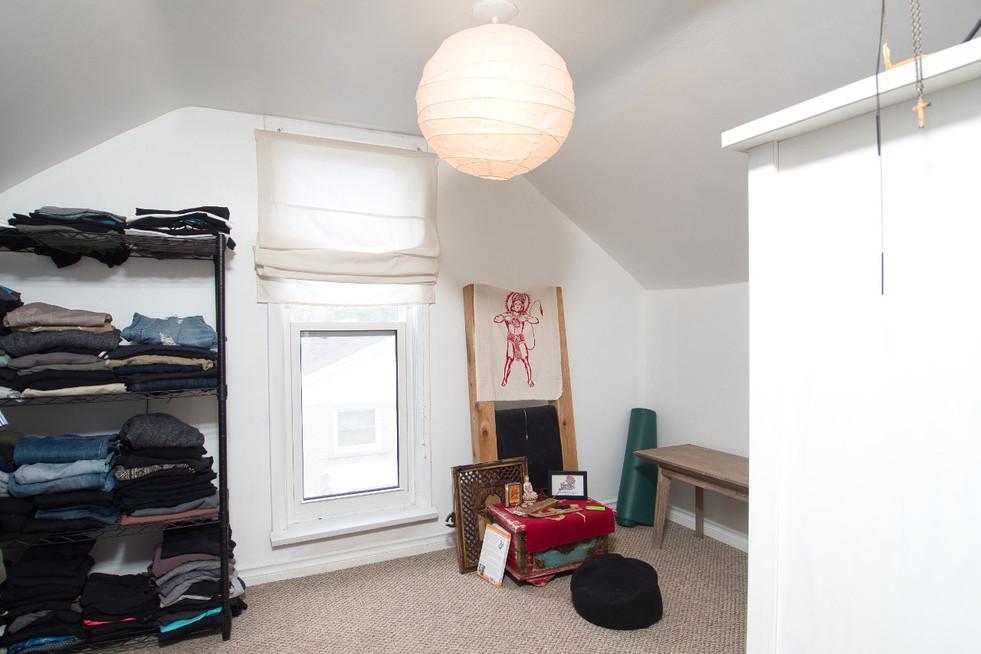 Dressing Room - 17 Portland
