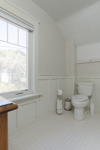 Bathroom 4 - 137 Madison Ave S For Sale