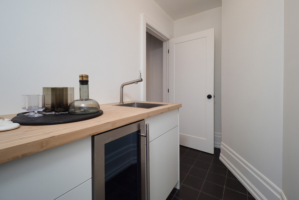 Wet Bar - 132 Queen St N - For Sale