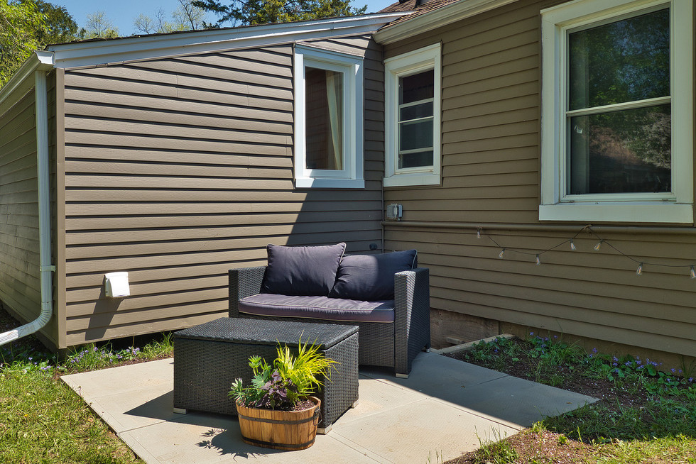 Patio 2 - 9 Windsor Crescent For Sale