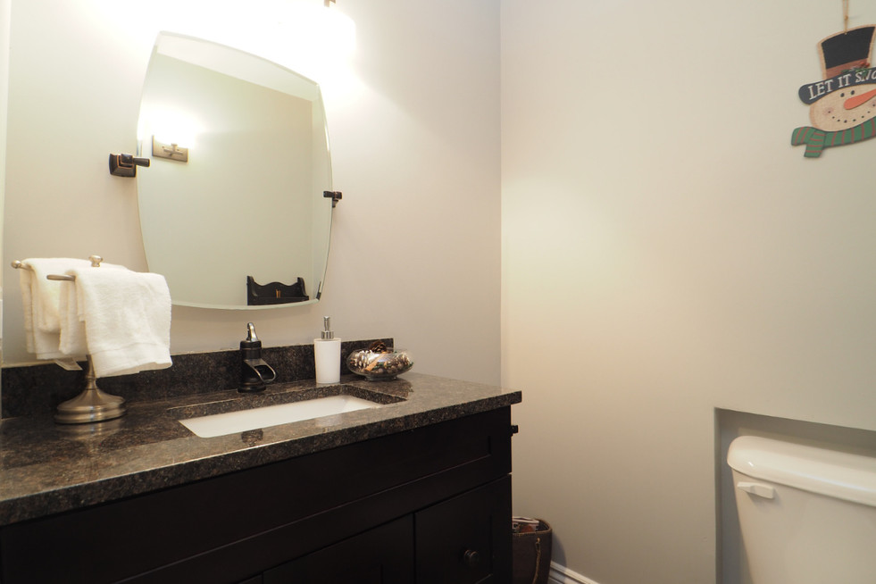 59 Belleview For Sale - Main Floor Bath