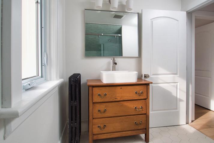 Bathroom 3 - 410 Courtland Ave E