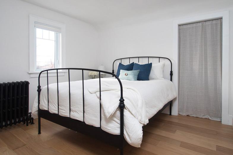 Bedroom  - 410 Courtland Ave E