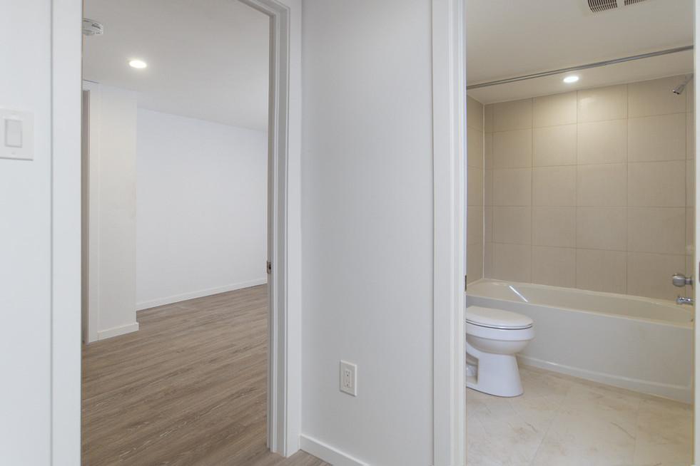391 Victoria Street South For Sale -  Basement Hallway