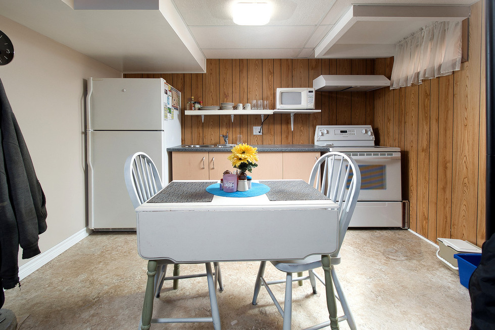 Second Kitchen - 1 Tanager For Sale