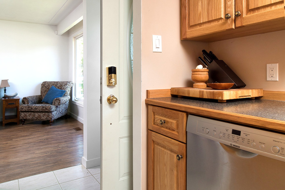 Kitchen 6 - 1 Tanager For Sale