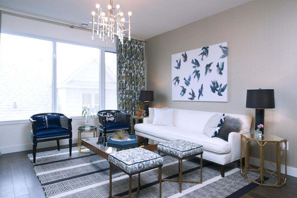 316-188 King - Living Room
