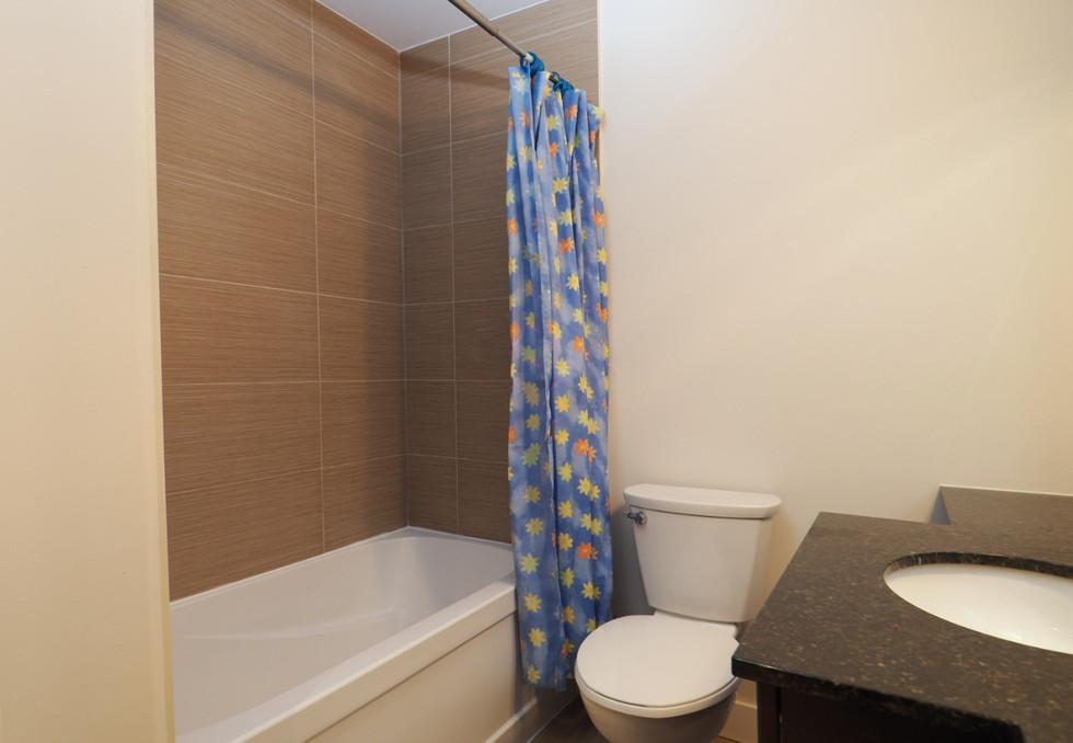 209-188 King - Bathroom 2