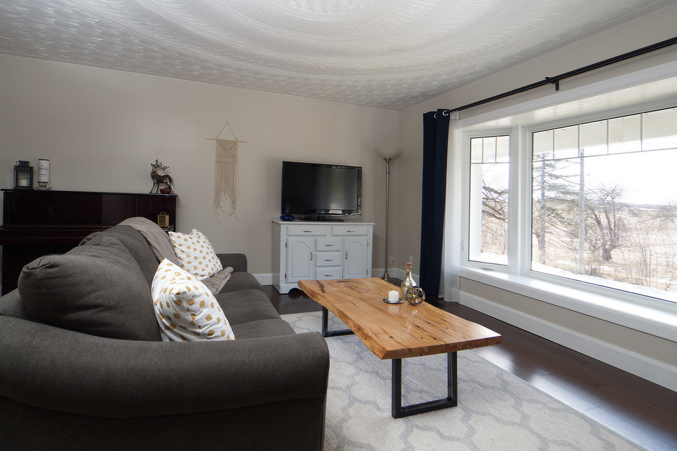 139 Queen St - Living Room 2