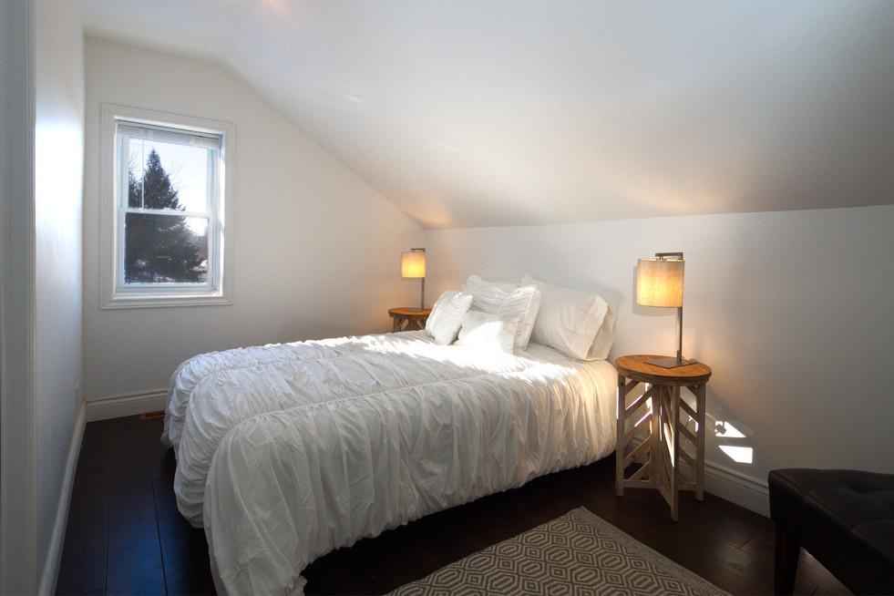 114 Queen St W - Master Bedroom