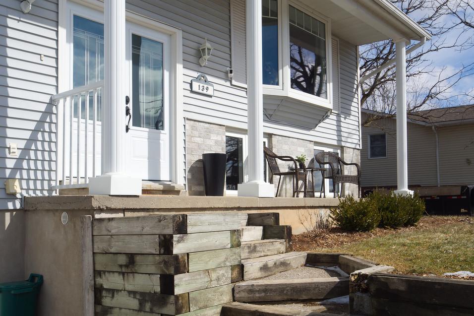 139 Queen St - Front Porch 2