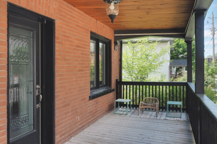 Porch 3 - 137 Madison Ave S For Sale