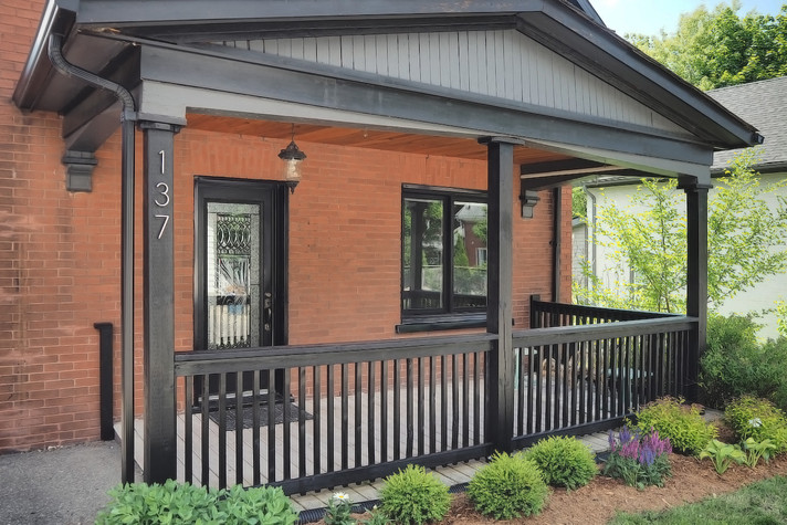 Porch - 137 Madison Ave S For Sale