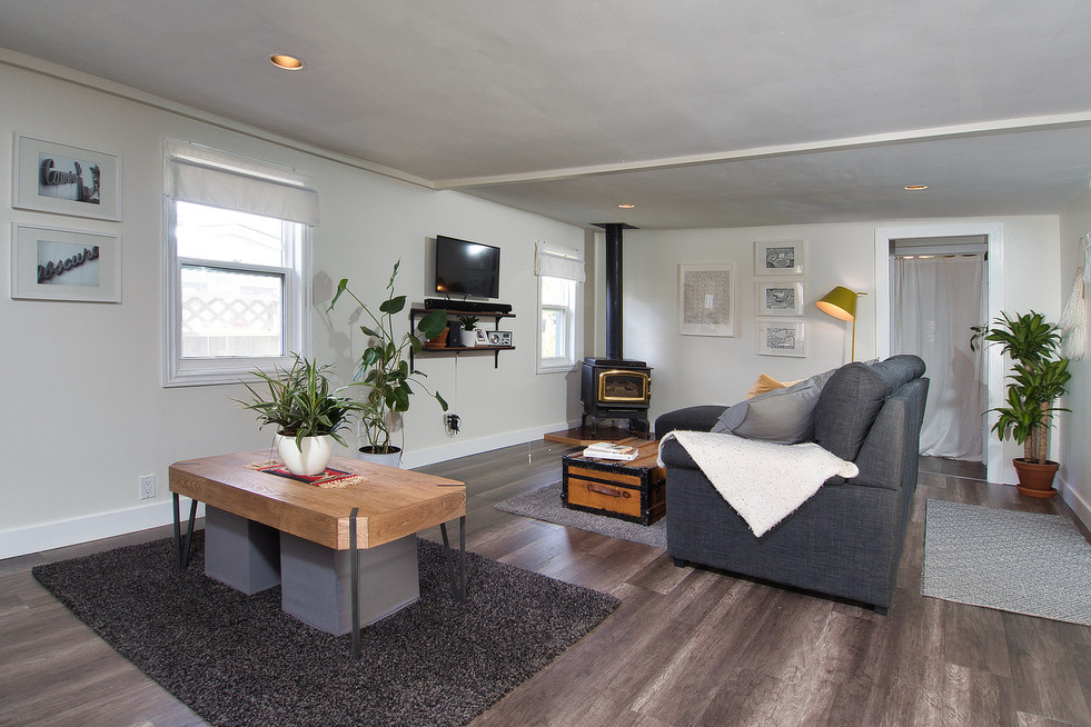 Living Room - 17 Portland