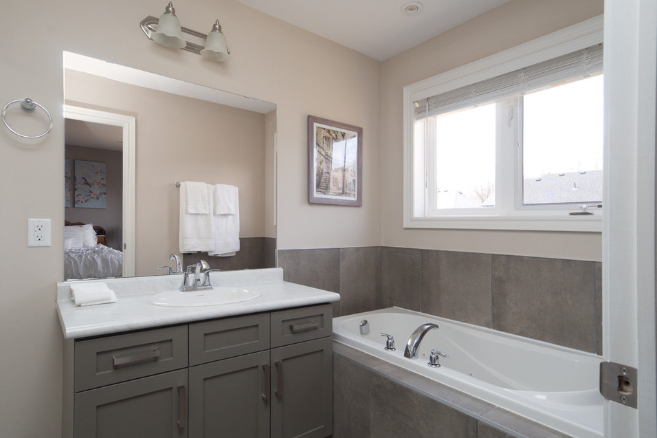 15 Greenwater - Ensuite