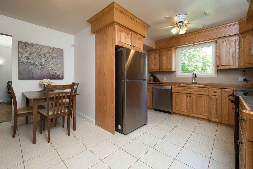 Kitchen 2 - 1 Tanager For Sale