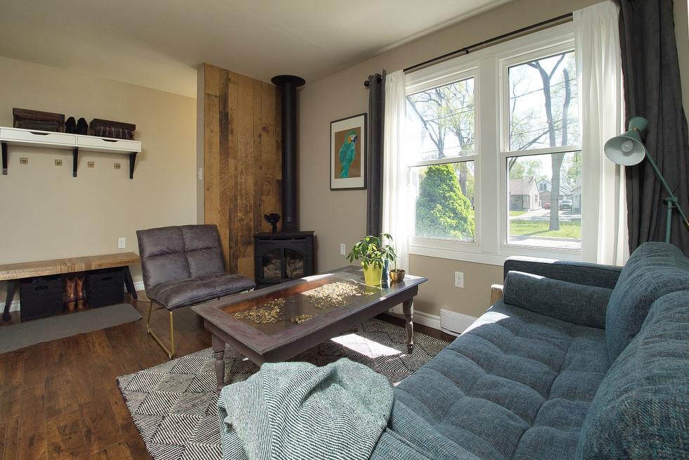 Living Room 3 - 9 Windsor Crescent For Sale
