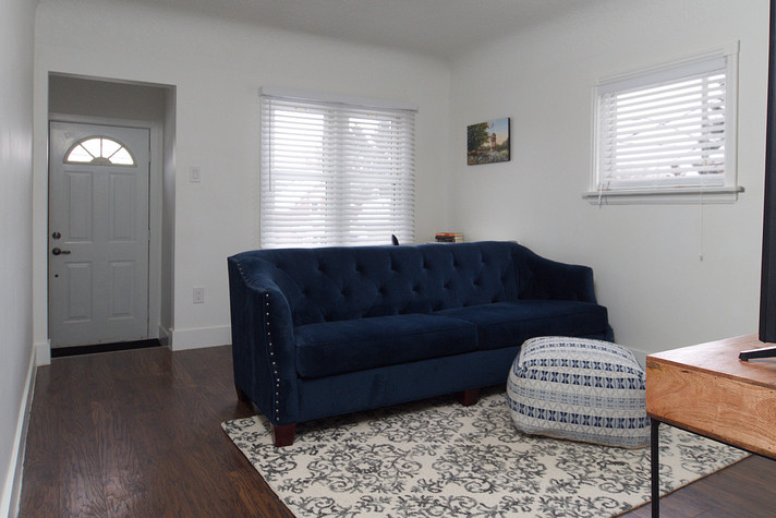 391 Victoria Street South For Sale - Living Room 5