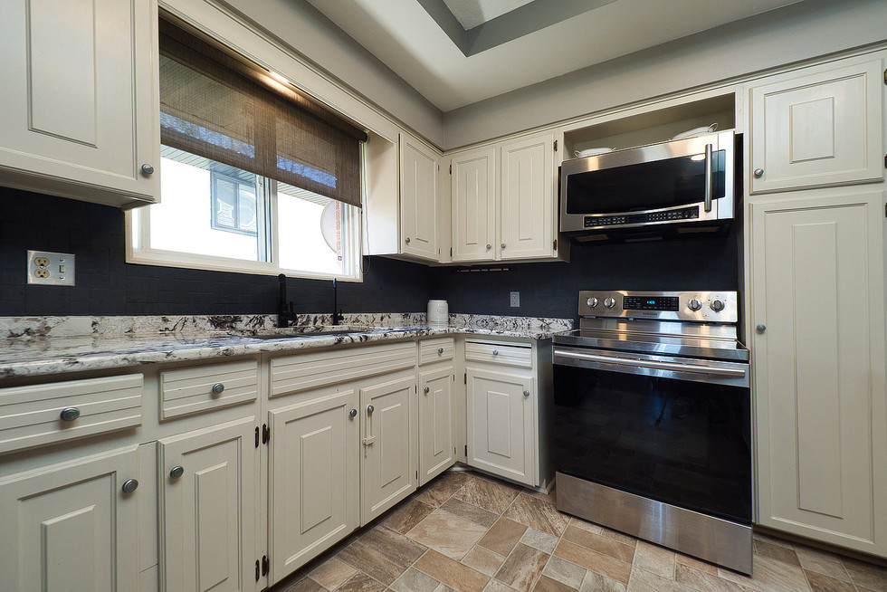 Kitchen 3 - 294 Maurice For Sale