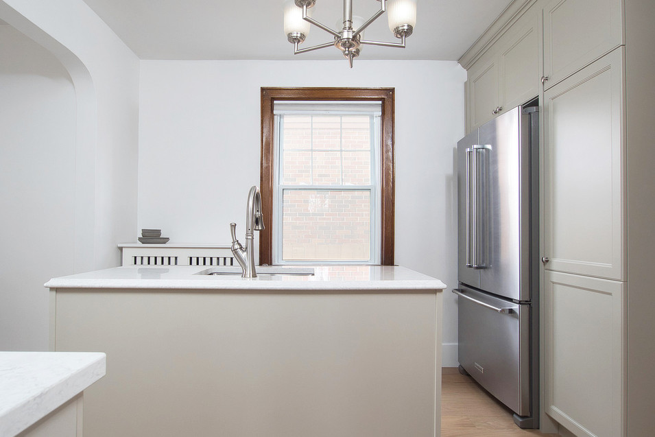 Kitchen - 410 Courtland Ave E