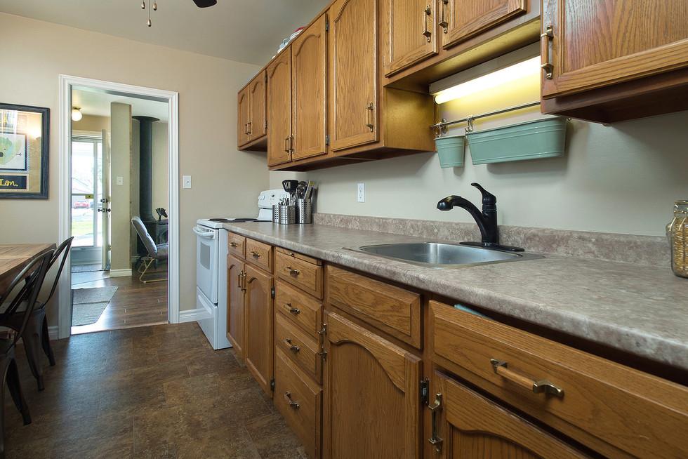 Kitchen 4 - 9 Windsor Crescent For Sale