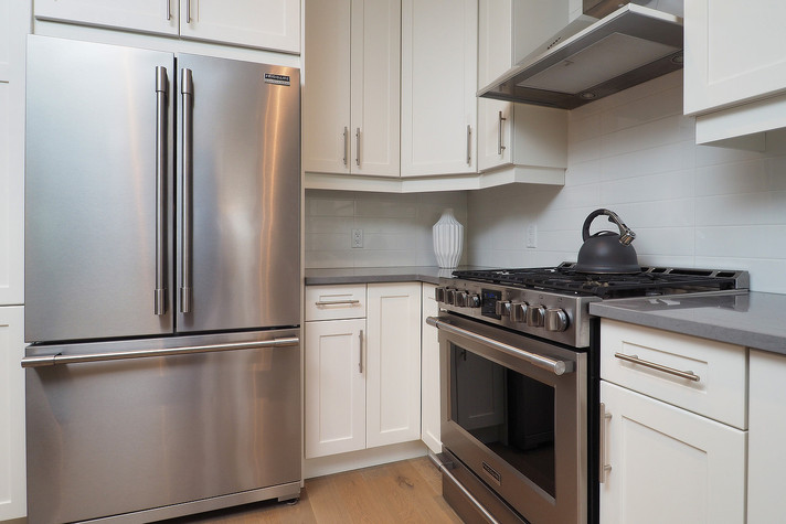 Kitchen 3 - 190 Eaglecrest Street - For Sale