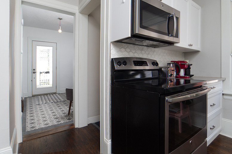 Kitchen 5 - 137 Madison Ave S For Sale