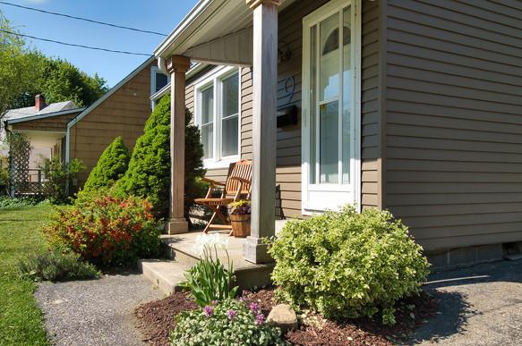 Front Porch - 9 Windsor Crescent For Sale