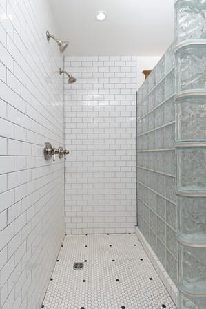 Shower - 134 David - For Sale