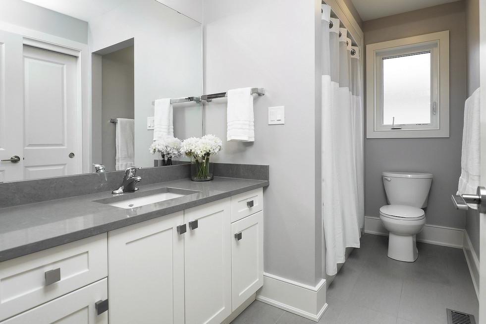 Main Bath  - 190 Eaglecrest Street - For Sale