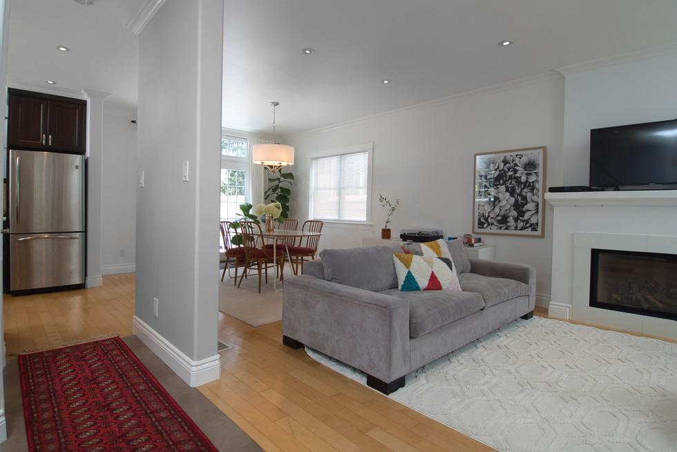 Foyer - 11 Park Street - For Sale