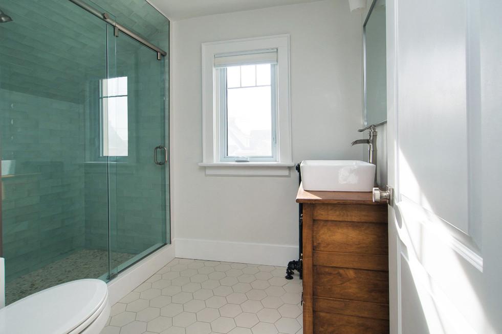 Bathroom - 410 Courtland Ave E