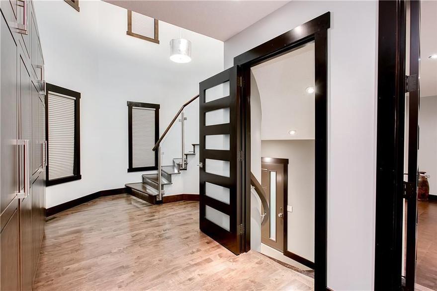 ROOM-SERVICE-INTERIORS-stairwell.jpeg