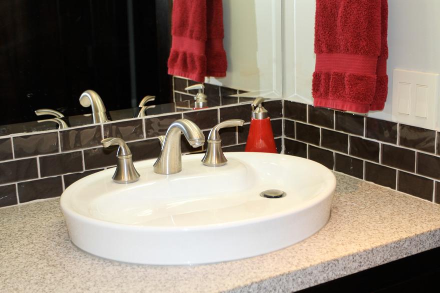 Clean and Sleek Kids Bath