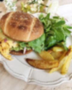 Burger végétarien healthy simple et allégé avec frites maison