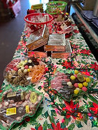 xmas candy table .jpg
