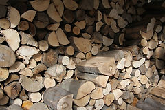 firewood-1635760.jpg