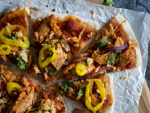 Vegan Cajun 'Chik'n' Pizza w/ Homemade Pizza Crust - Yeast Free & Oil Free
