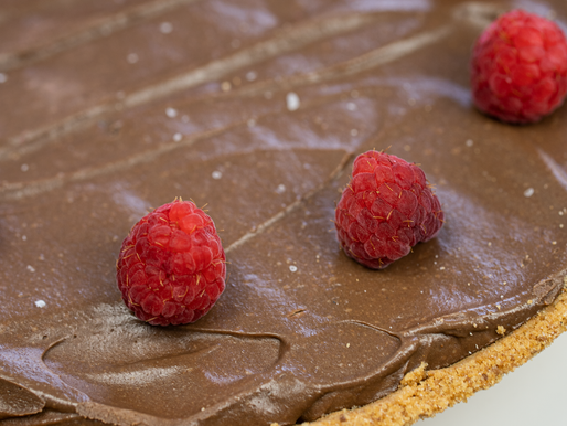 VEGAN Chocolate Mousse Pie | 4 INGREDIENT MOUSSE |
