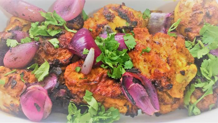 Tandoori chicken: frango grelhado à indiana (+ pão naan)