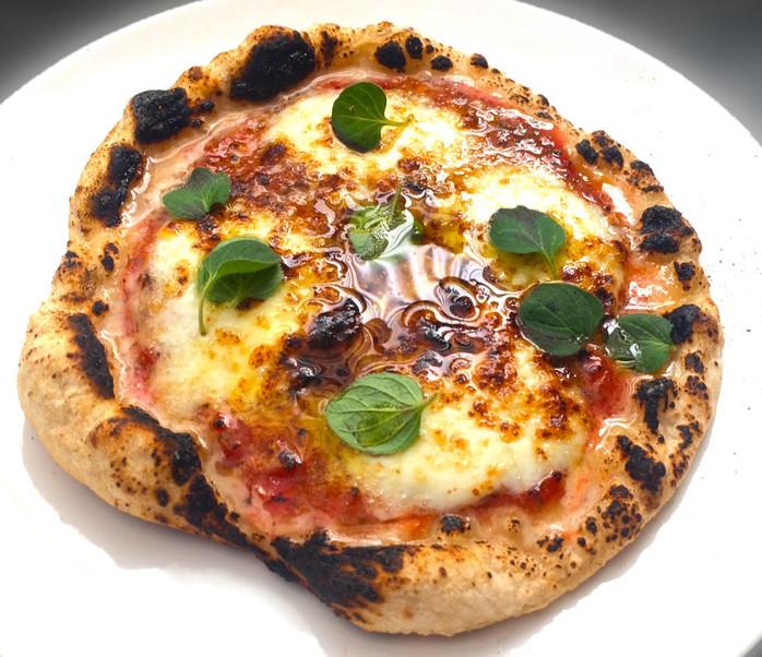 Como fazer em casa uma pizza perfeita  – com um maçarico de solda e uma frigideira