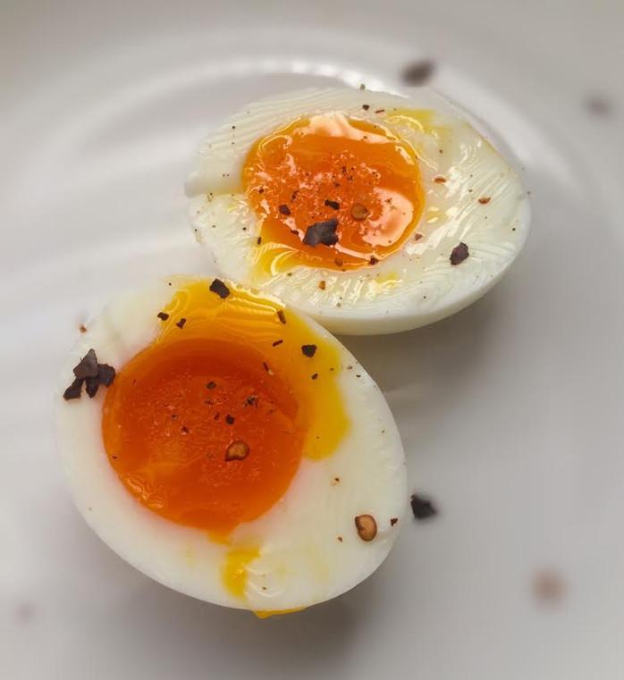 Como fazer o ovo cozido perfeito (e mais 10 coisas que todo mundo precisa saber sobre ovos)