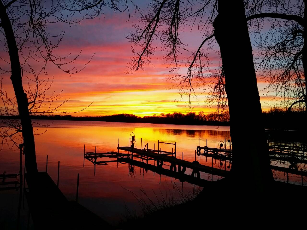 Sunset on Smith Lake