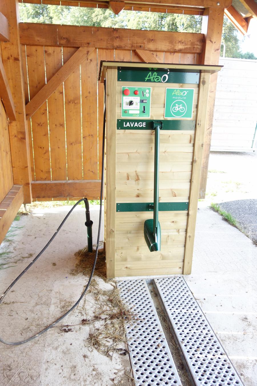 Station de lavage à deux pas