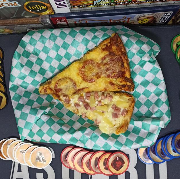 Rebanada de pizza Piccolo's $30