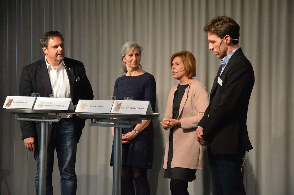 Engagierte Diskussion auf dem Podium mit mit Rochus Burtscher, Angelikal Schöllhorn, Monika Wicky, Daniel Schunk