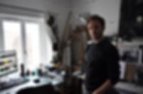 Portrait de Jérémy Moncheaux dans son atelier réalisé par Luc Laly