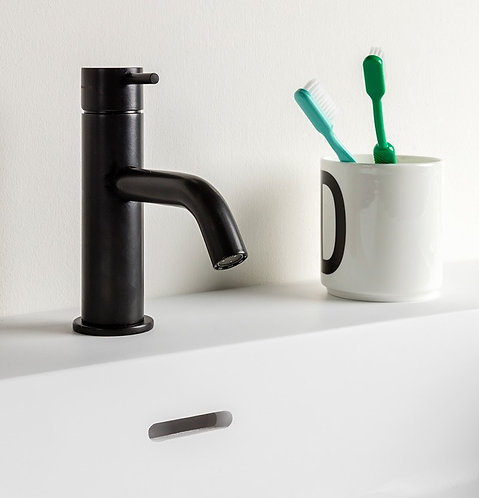 Flow Single Lever Basin Mixer Tap :: Matt Black