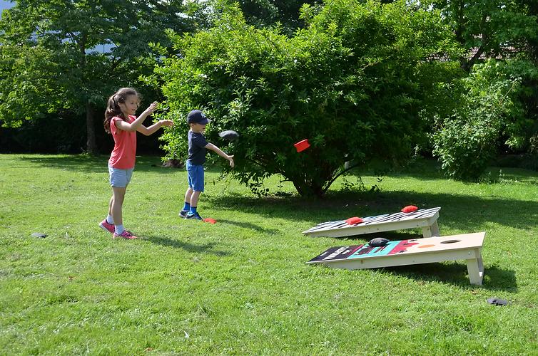 Le cornhole un jeu idéal pour l'anniversaire des enfants